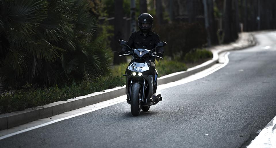 ahorro motos eléctricas